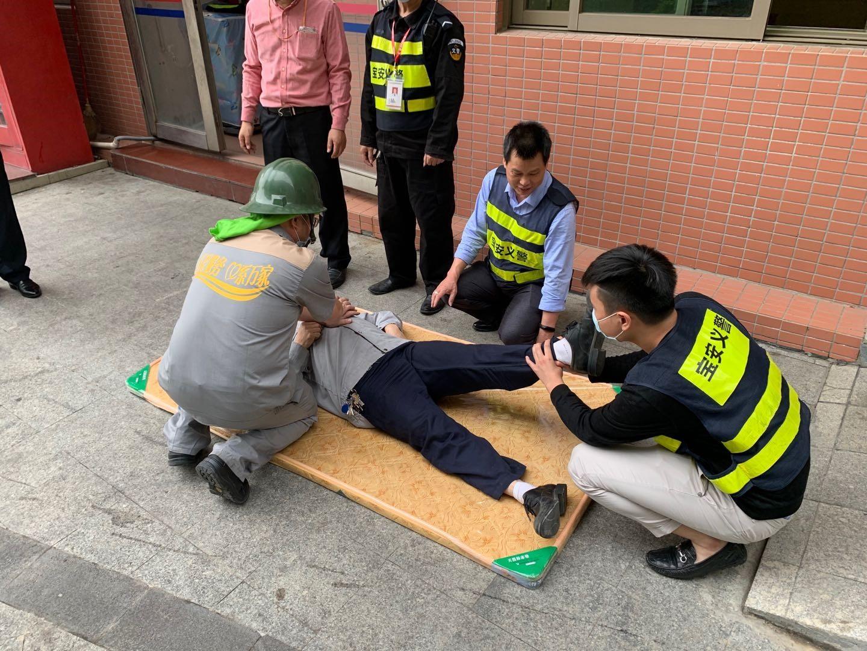 """鑫梓润物业开展""""崩塌事故""""事故应急救援演练"""